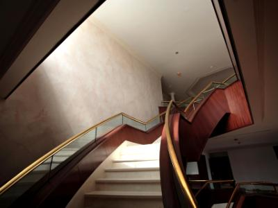Saudi Embassy fresco wall finish on 30 ft staircase