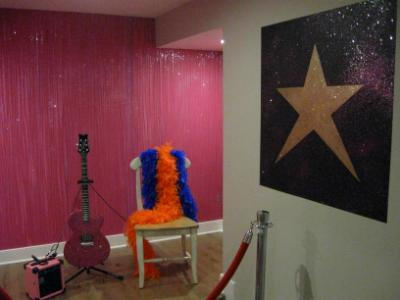 The Glitter stage wall and Shining star